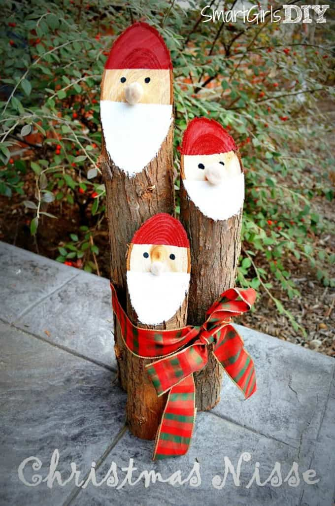 25+ DIY Christmas Decorations and Crafts to Make This Year! - Home DIY #christmas #homedecor #decoration #xmas #crafts #craftsforkids