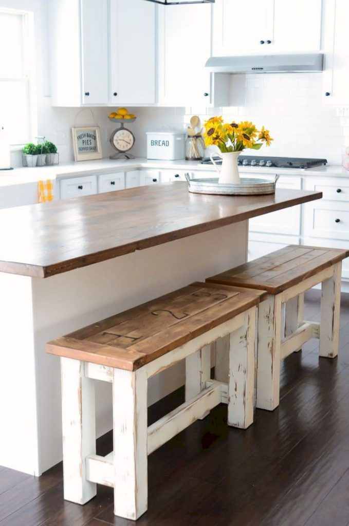 Working on farmhouse kitchen ideas for décor is an incredibly exciting if you are fascinated by the combination of modern design and cute vintage details. Farmhouse decor. Farmhouse style. Farmhouse ideas. #farmhouse #farmhousestyle #farmhousedecor