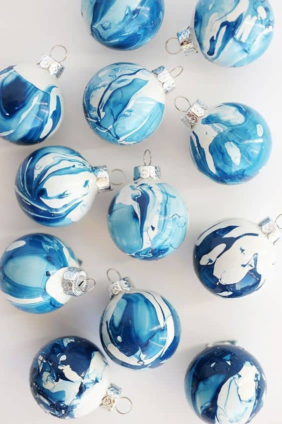 DIY Christmas Ornaments Ideas – Elegant Easy Ornaments and Crafts. Looking for the best ideas of DIY Christmas ornaments? You'll find here some great examples of easy and elegant DIY Christmas ornaments! #christmas #xmas #christmascrafts #ornaments #homedecor #diy #diycrafts #decor #decoration #decoratingideas #ideas
